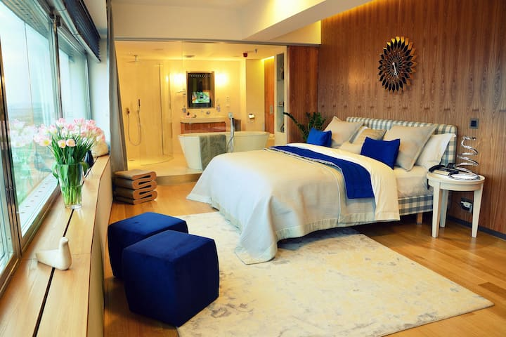 One room hotel - Žižkovská věž