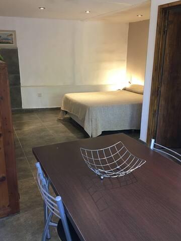 Comedor y cama 2 plazas