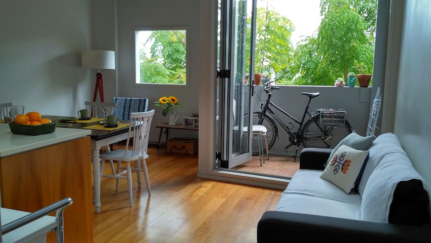 Sunny Apartment in the Heart of Parnell - Auckland - Leilighet