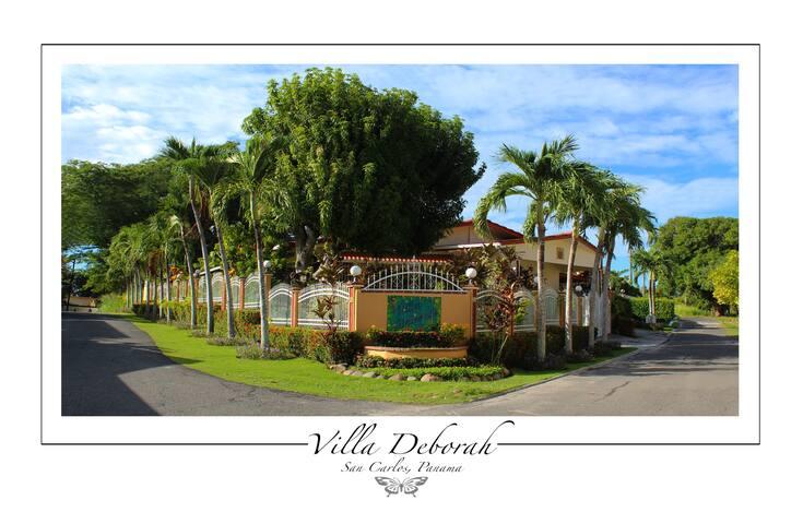 Villa Deborah on the Playa - Distrito de San Carlos - Bed & Breakfast