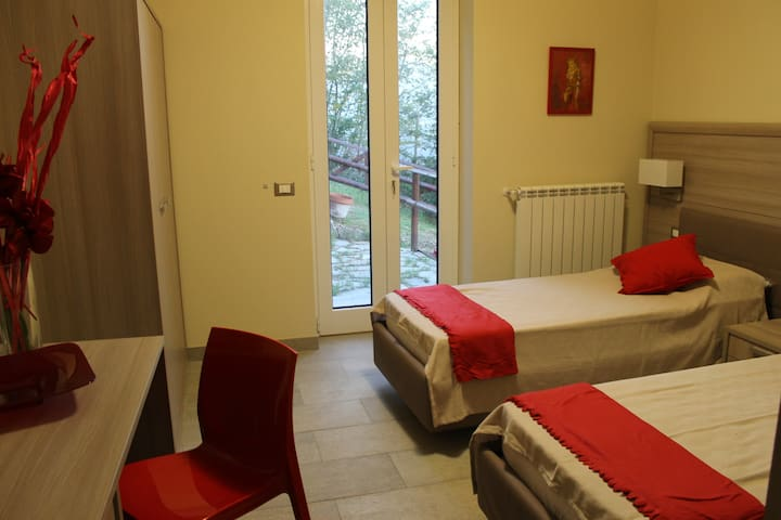 Bed&Breakfast Paganini red room - Genova - Bed & Breakfast