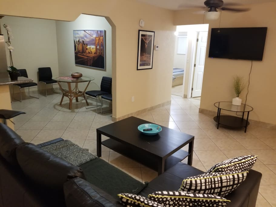 Two Bedroom House A Stonethrow Away From Brickell