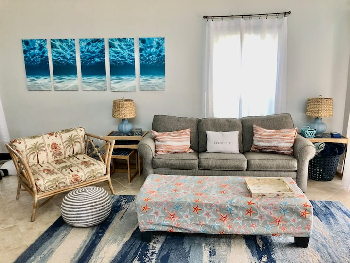 Stunning Condo Featured On HGTV-Steps To The Beach