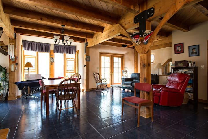 StrawBale Eco Home Farm,  +60 Forested acres - Afton - Bed & Breakfast