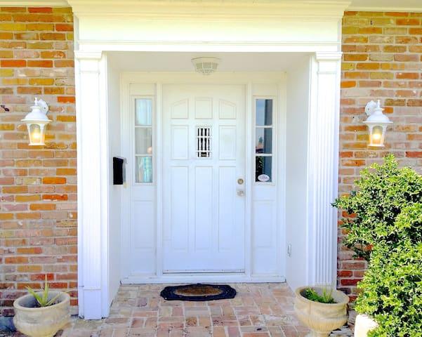 Gibbs House / Walk to the Beach - Galveston - Ev