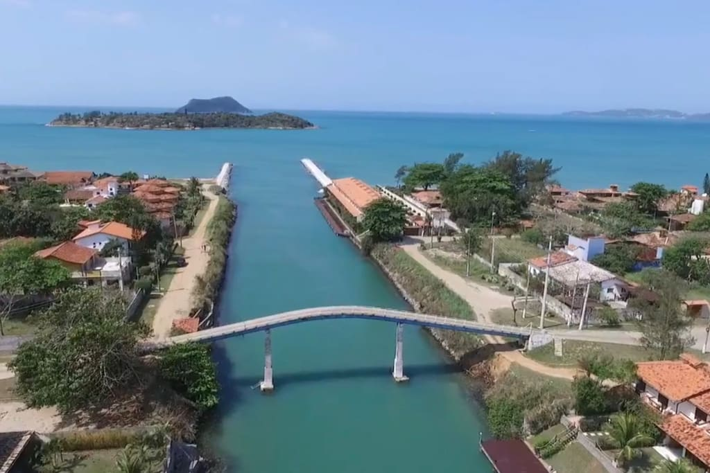 Vista aérea do canal marítimo de Búzios - um dos acessos para a casa