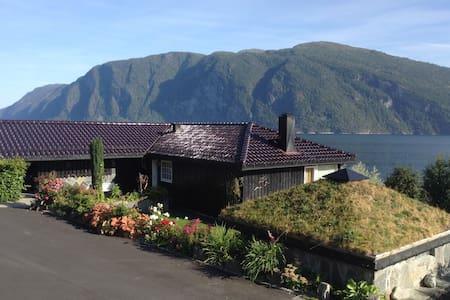 Leilighet m/ flott utsikt mot fjord - Stranda - Appartamento