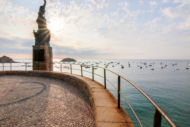 Mediterranean retreat with terraces & sea/town views - 1/4 mile to the beach!