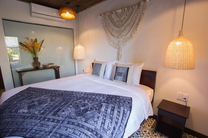 103 Double bed room in lovely traditional villa