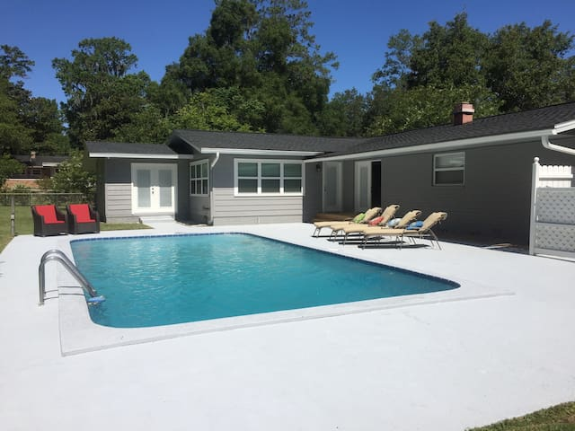 4 BR pool home near Springs & HITS - Ocala - Hus