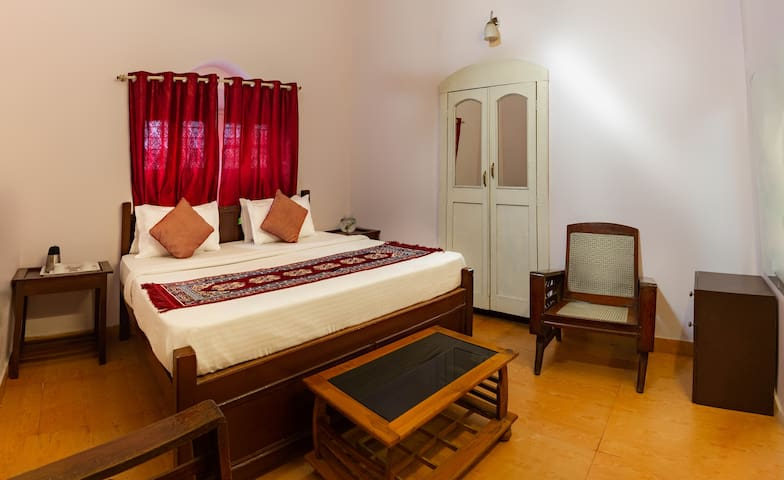 Super Deluxe Room near Nakki Lake