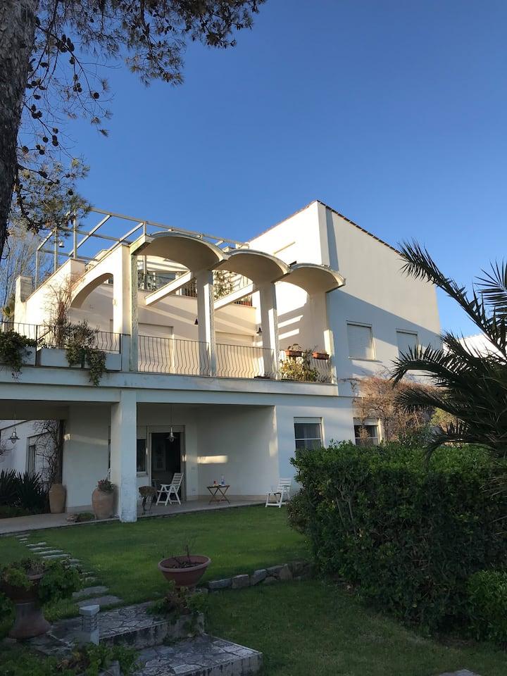 Apartment in a villa by the sea