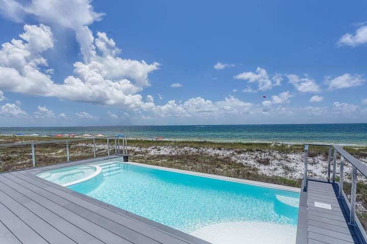 Beachfront, Infinfity Pool & Hot-tub on 2nd Floor, Elevator, Large Icemaker