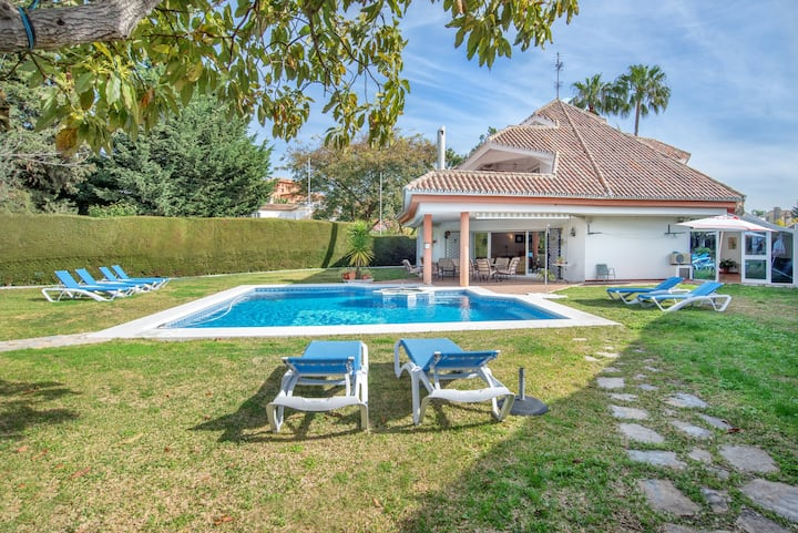 """Stunning Holiday Home """"Villa Bel-Air"""" with Mountain View, Sea View, Garden, Terraces & Pool; Parking Available"""