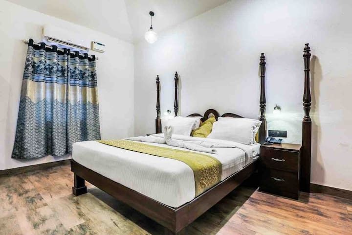 Super deluxe  rooms on baga beach