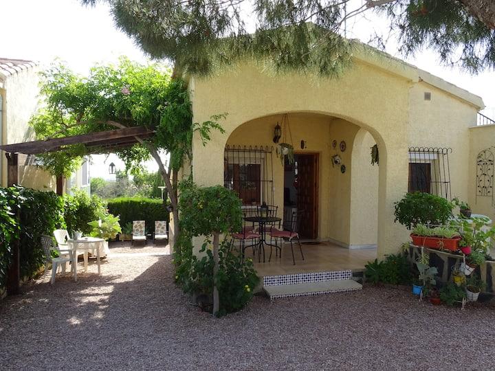 Private house, garden, wifi, La Marina, Guardamar