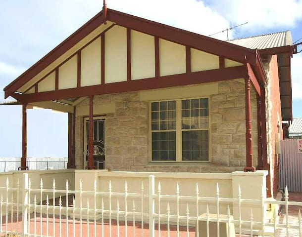 The original Semaphore Beach House - Semaphore - House
