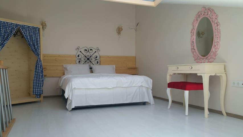 Dubleks studio odası - İçmeler Mahallesi - Apartment