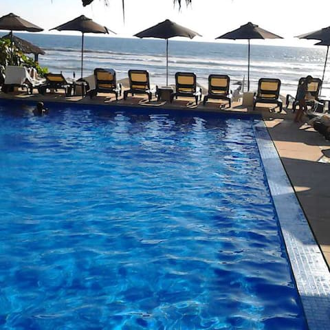 Zona Diamante depa 50 m2 C/ club de playa y wifi