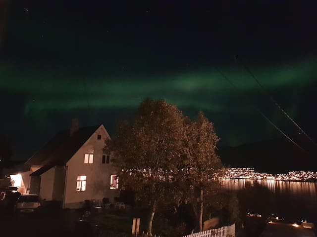 2br apartment with great view for northern lights