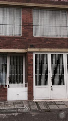 casita en municipio tranquilo - Facatativá - Huis