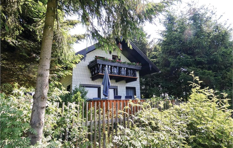 Holiday cottage with 2 bedrooms on 54m² in Remptendorf