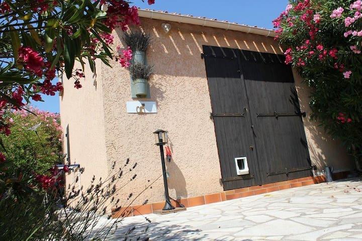 Mazet cote d azur - La Motte - Rumah