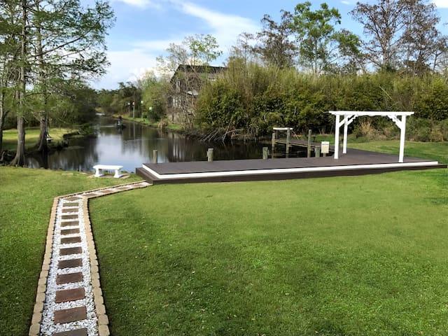 Bijou on the Bayou- Waterfront Home