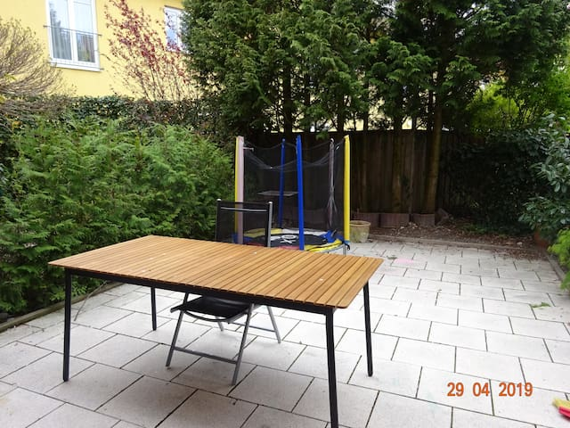 Garden with table and 5 chairs (not visible on the photo)