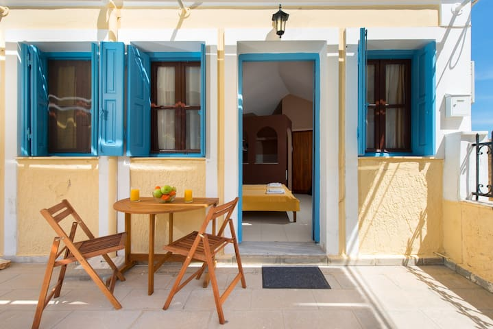 Symi sunshine 2 beds !!! (S)