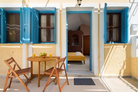 Symi sunshine 2 beds !!! (S) - Huis