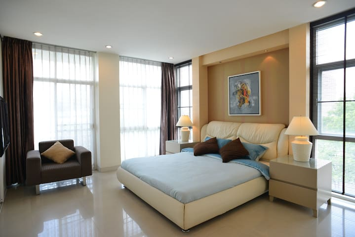 Best Luxury Retreat ⬩Near K-Village⬩Asok⬩T21⬩BTS
