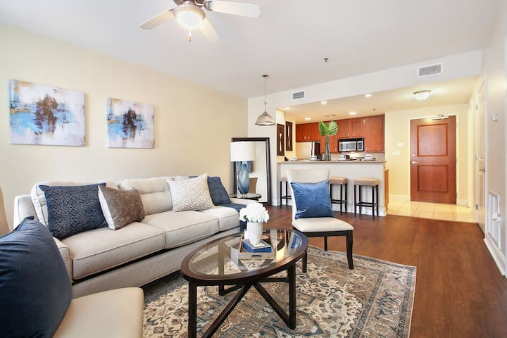 ★★ NEW LARGE 1BD/1.5BA CONDO IN DOWNTOWN NOLA!! ★★