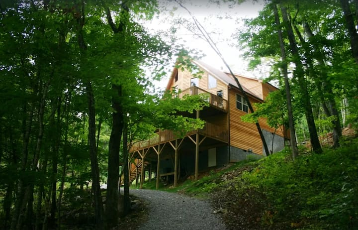 Norris Lakefront Cabin with dock, hot tub, kayaks