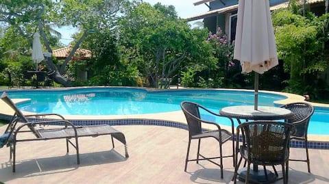 Imbassai - Apartamento completo em Cond. Fechado