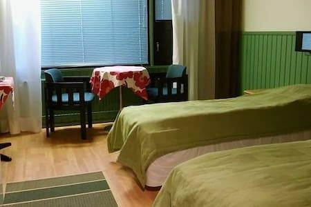 Huoneita keskustassa, huone 2 - Paltamo