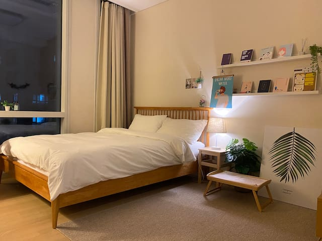 #[Best-location!]WIFI/Subway3min/Lovely bedroom/구의