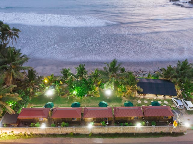 LES BEACH CHALETS PAIYAGALA RELAX WITH NATURE.....
