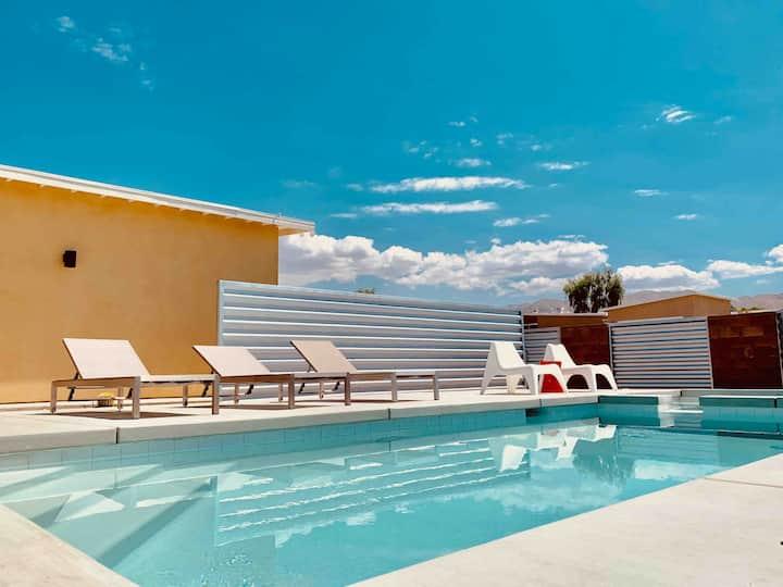 Desert Fox-A Mid Century Home w/Saltwater Pool&Spa