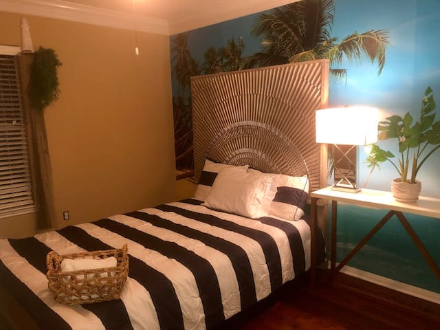 Jamaican me crazy! Vacation vibes suite