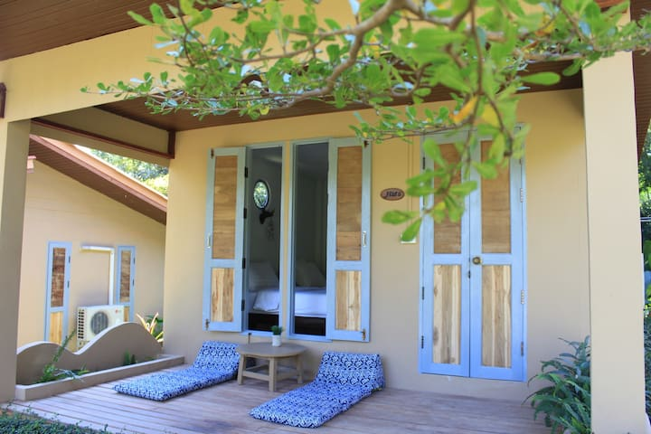 Privacy bungalow # twin bedroom - Pai - House