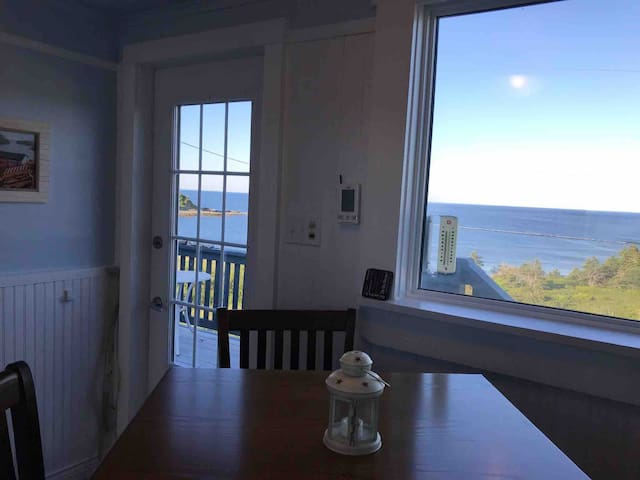 Morton's Ocean House Your oceanfront vacation home