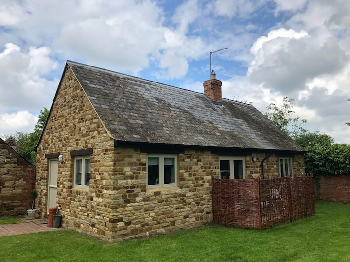 Guesthouse at No.1 (Isham, Northamptonshire)
