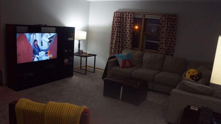 Comfortable, Quiet Entire MKE Apt! - Milwaukee - Apartment