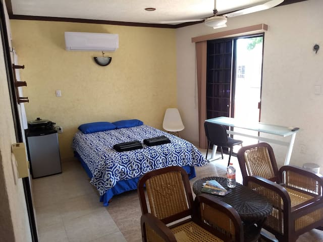 Habitación privada con balcón