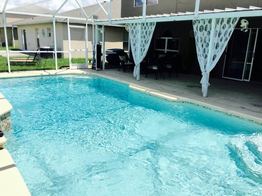 Pool (15' x 30')