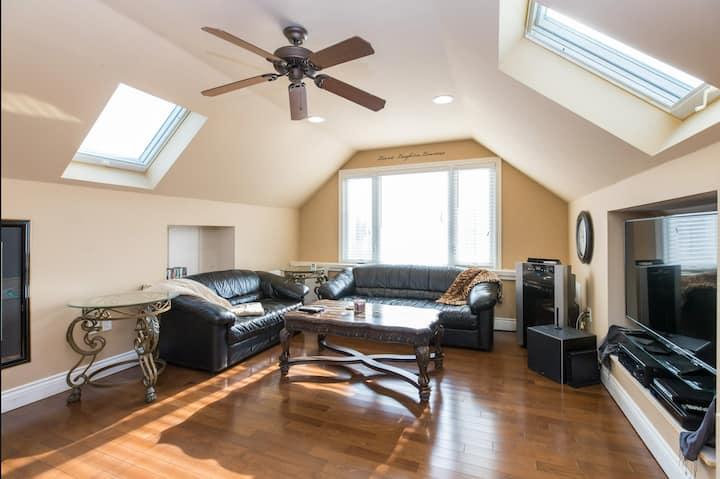 New clean unique upper 1,200 sq. ft. Condo Suite,