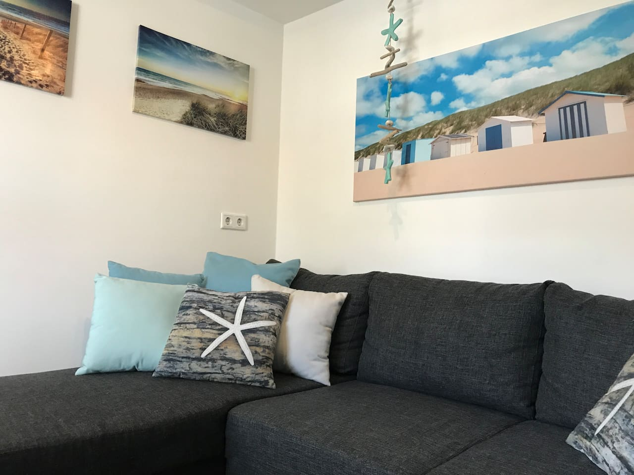 Livingroom with extra bedsofa (2 persons)