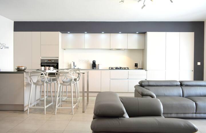 Kyara apartment - Papeete - 2 bdr - Pool & sea view - A/C - WiFi - Netflix