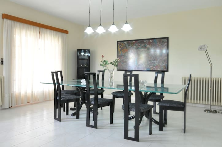FAMILY APARTMENT NEAR  AIRPORT - Spata - Apartemen